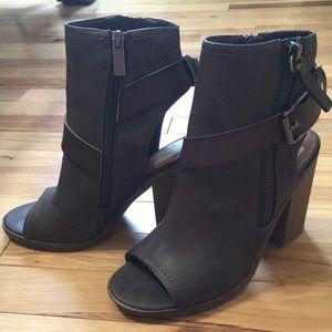 Dolce Vita Shoes - Dolce Vita Chunky Heels 👠